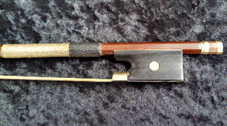 French 4/4 1920 Round Brazilwood Violin Bow